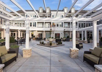 Beautiful courtyard of Woodstock senior living