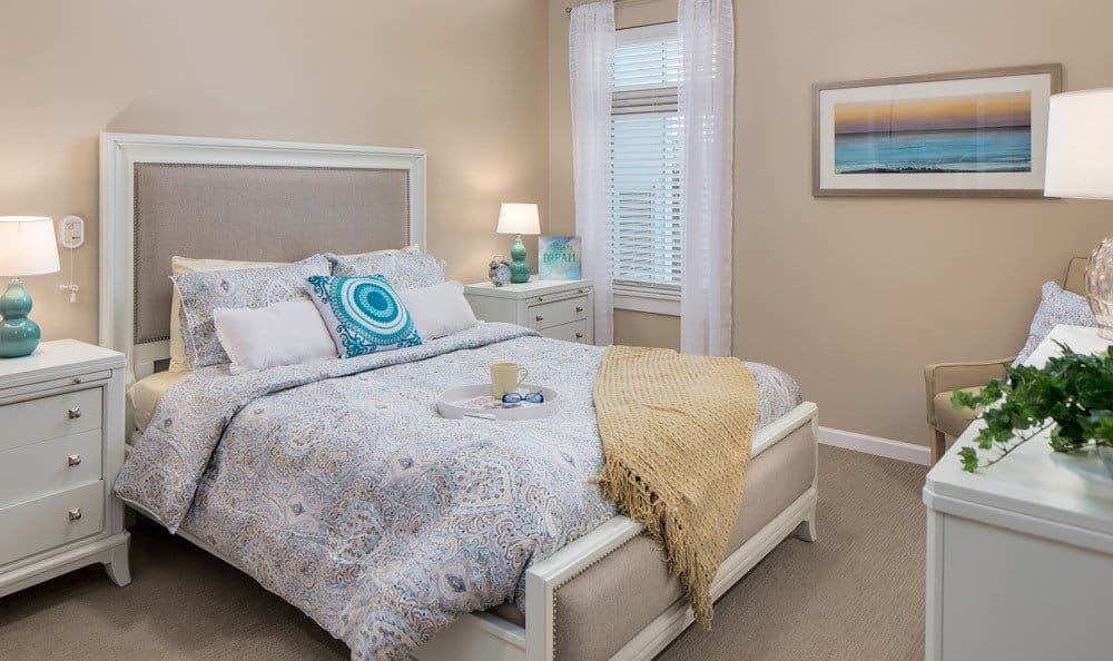 Bright Bedroom at Merrill Gardens at Woodstock