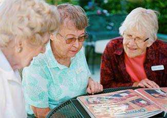Happy residents at  senior living in Anthem