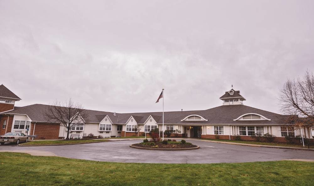 Feel at home in Broadmore Senior Living at Lakemont Farms