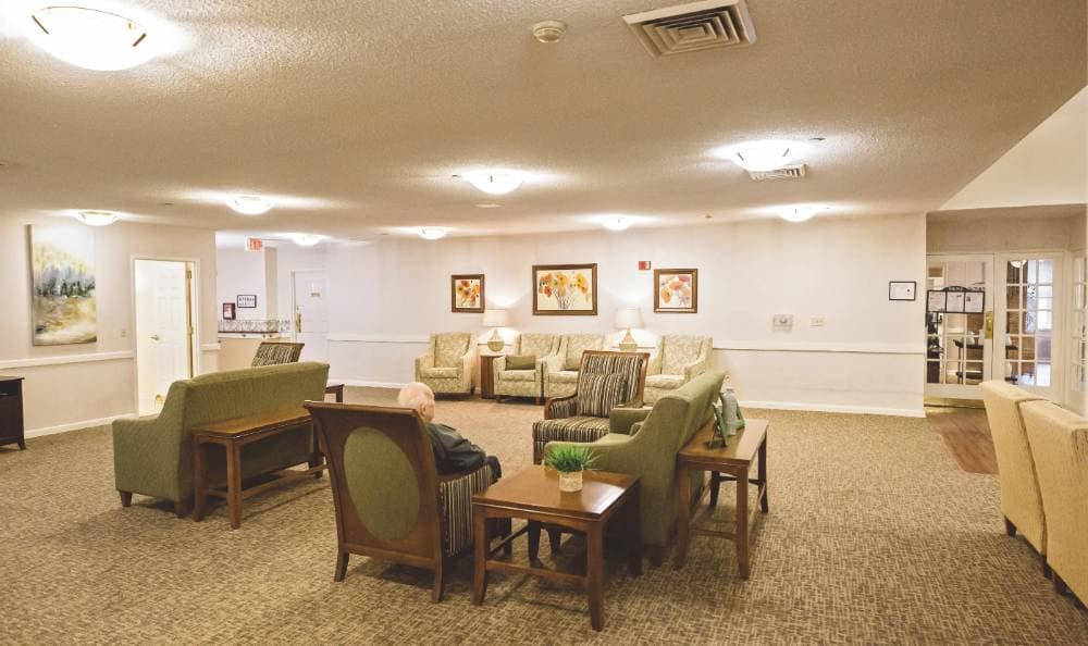 comfy living room at Broadmore Senior Living at Lakemont Farms in Bridgeville,PA