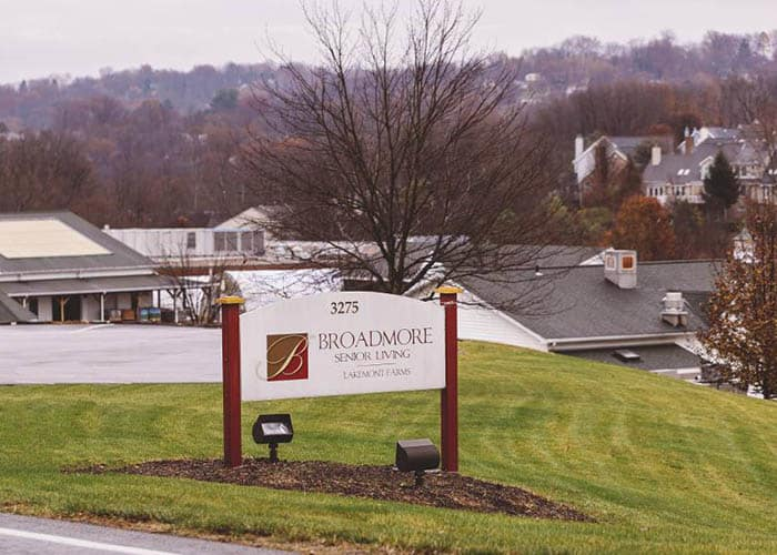 Broadmore Senior Living at Lakemont Farms welcoming sign