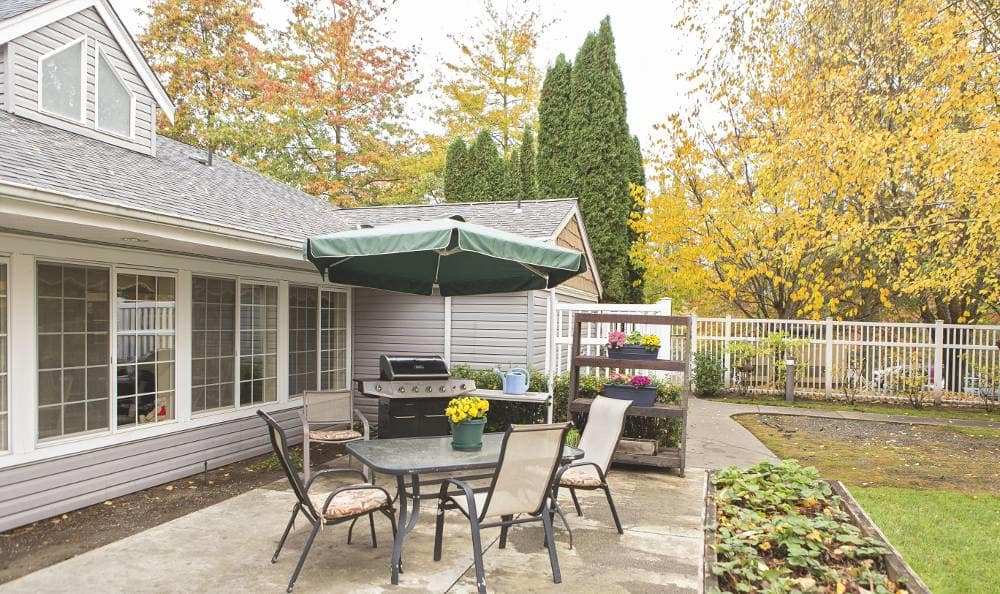Outdoor Living Dining On at Birchview Memory Care
