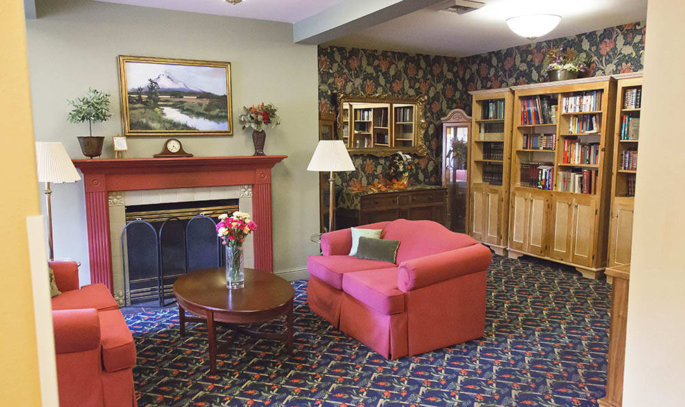 Library And Reading Area At Cooks Hill Manor Assisted Living In Centralia WA