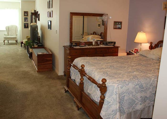 bedroom at King's Manor Senior Living Community