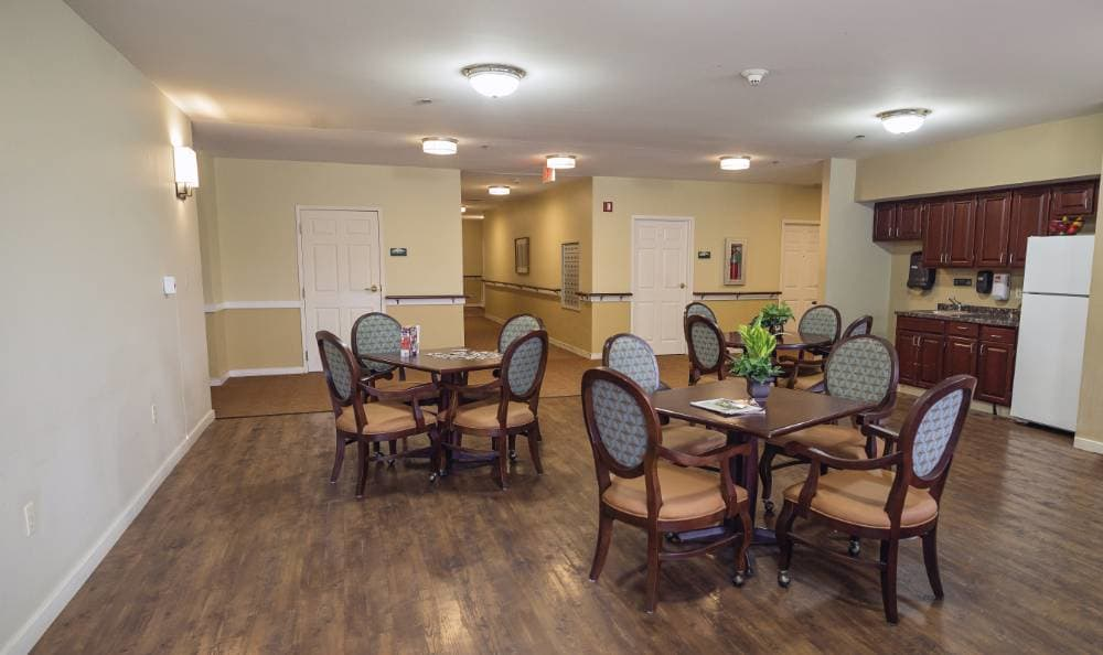 Resident lounge at Broadmore Senior Living at Teays Valley