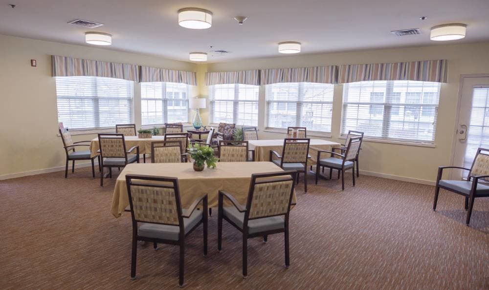 Well decorated living room at Broadmore Senior Living at Teays Valley
