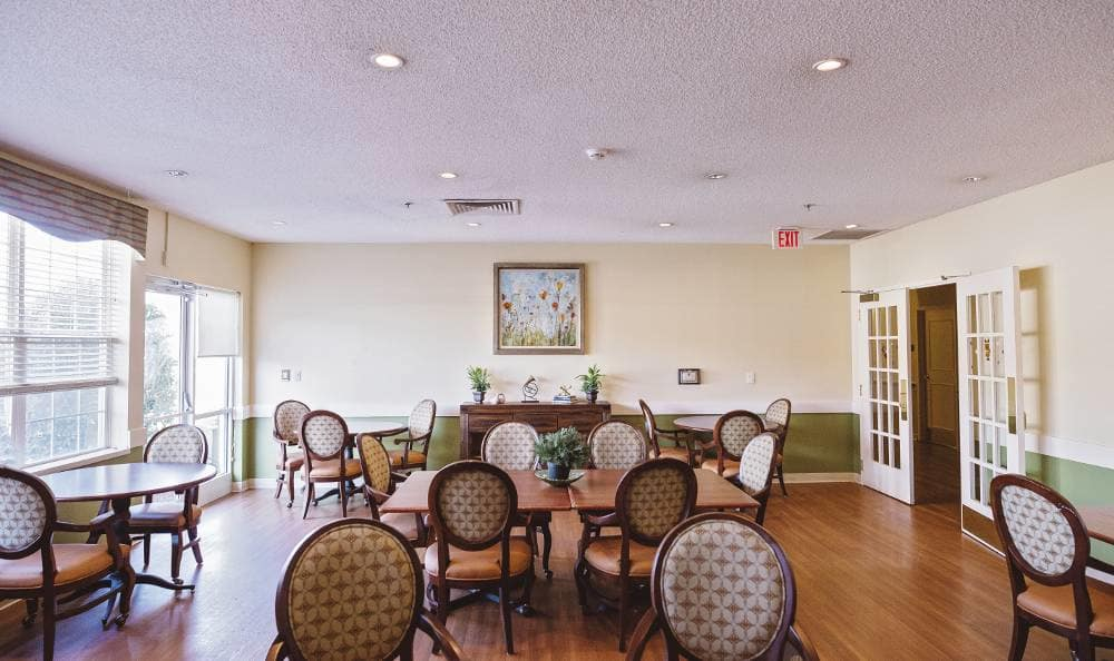 dining hall at Broadmore Senior Living at Bristol
