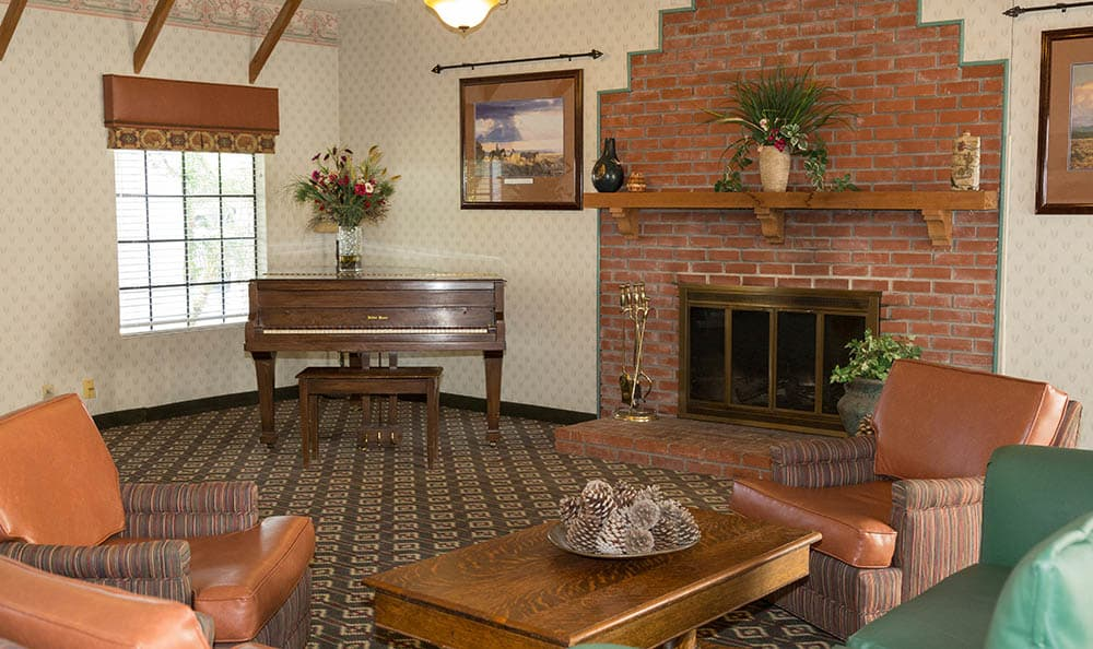 Piano Lounge At Del Obispo Terrace Senior Living In San Juan Capistrano CA