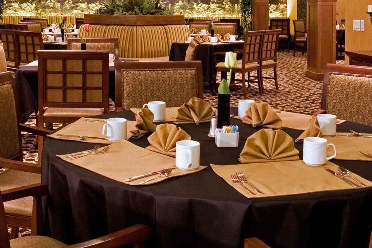 Great dining at The Lodge at Mallard's Landing