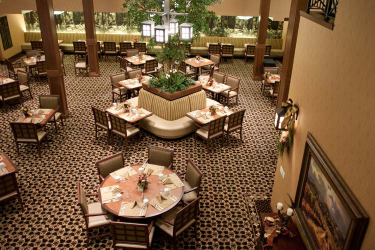 Overview of the dining room at The Lodge at Mallard's Landing