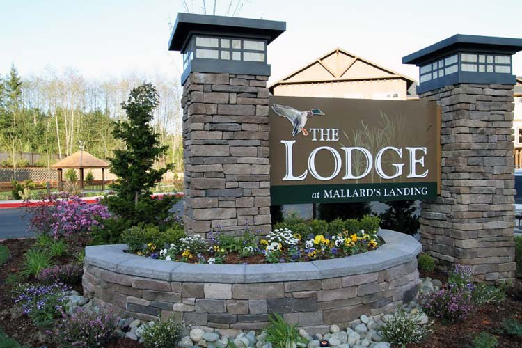 The Lodge at Mallard's Landing sign