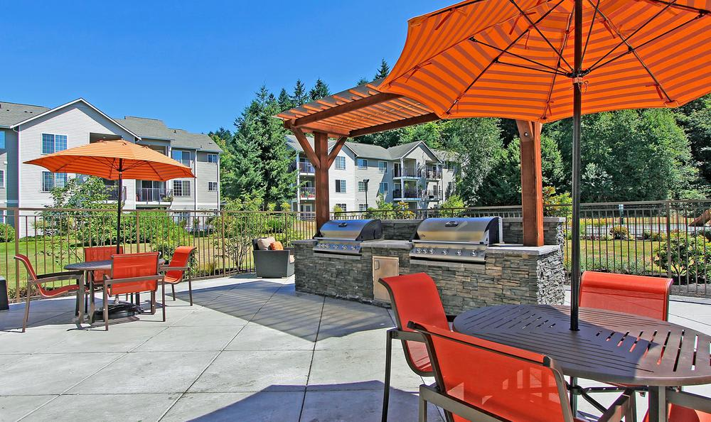 grilling area at Avana 522 Apartments in Bothell, WA