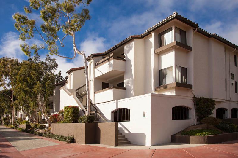 Apartment Exterior at Avana La Jolla Apartments in San Diego, CA