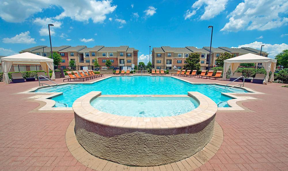 Swimming Pool at Avana McKinney Ranch Apartments in McKinney, TX