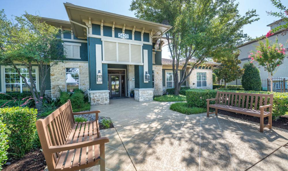 Main Entrance at Avana Stonebriar Apartments in The Colony, TX