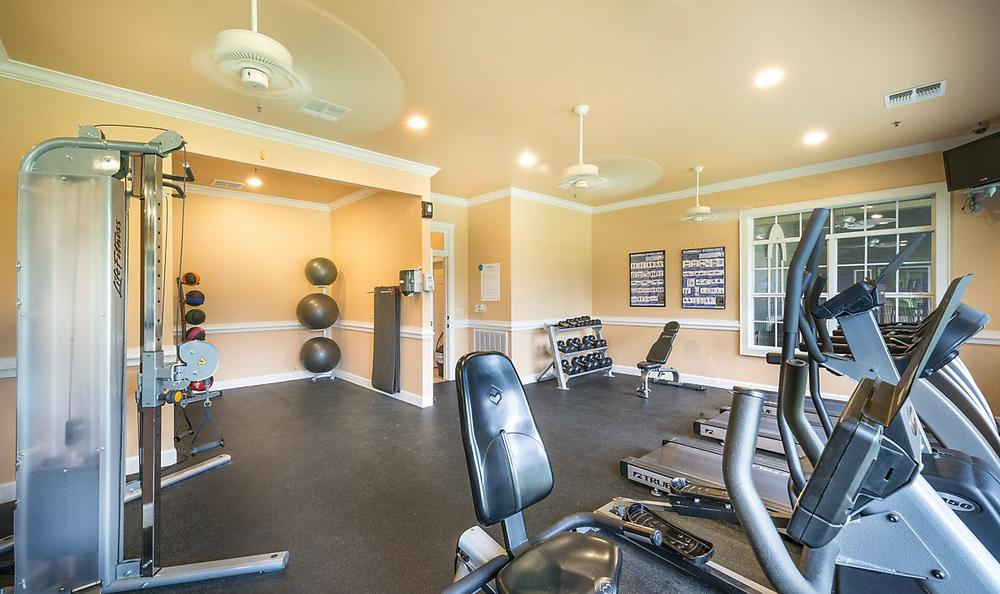 Exercise Facility at Avana Stonebriar Apartments in The Colony, TX