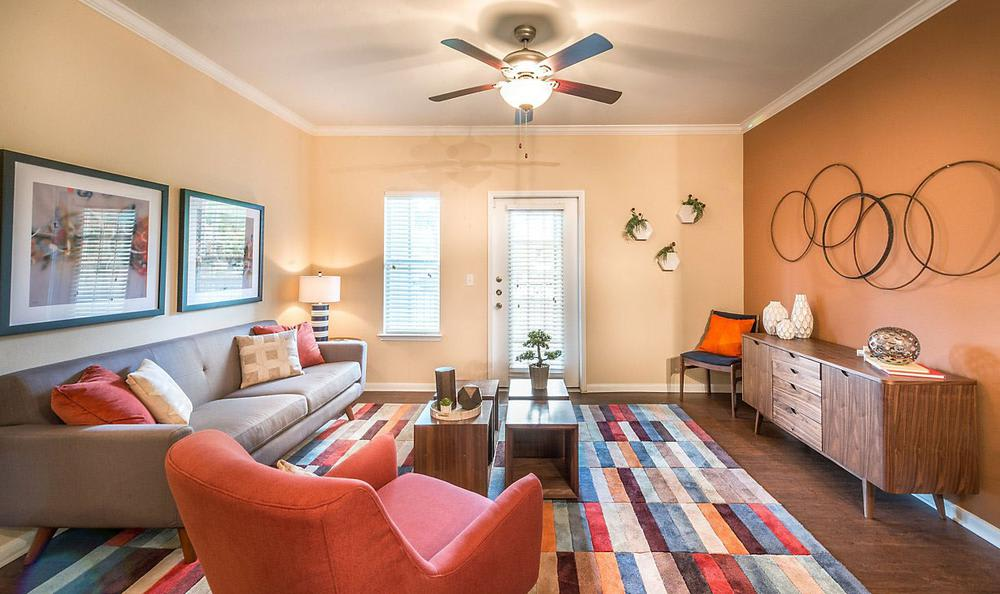 Well Decorated Living Room at Avana Stonebriar Apartments in The Colony, TX