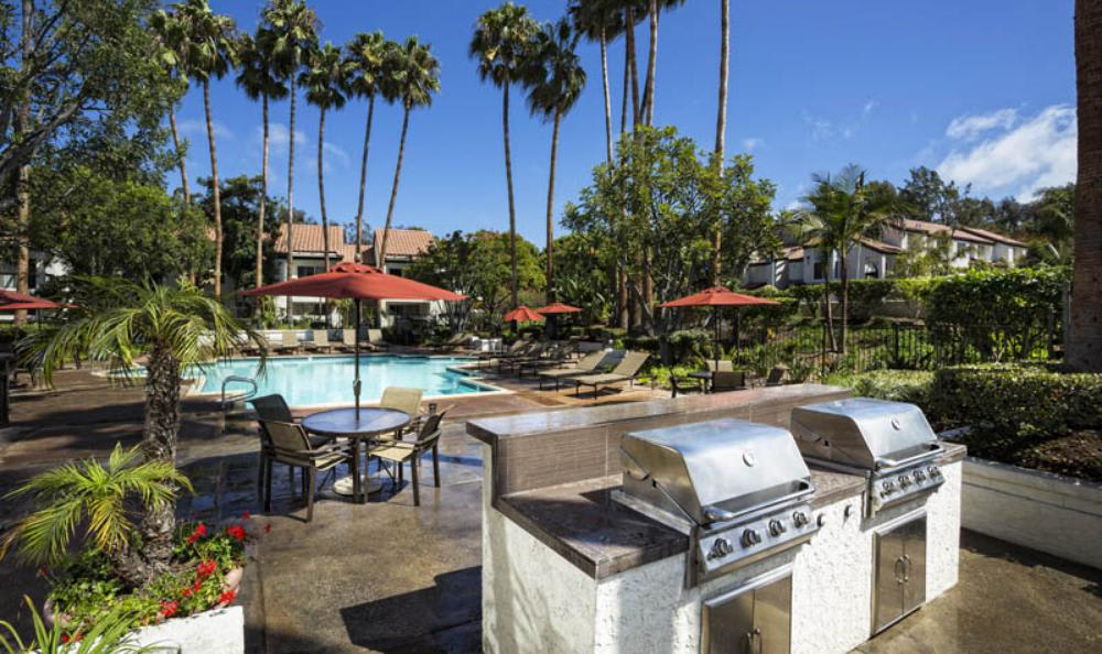 Barbecue Area at Avana San Clemente Apartments in San Clemente, CA
