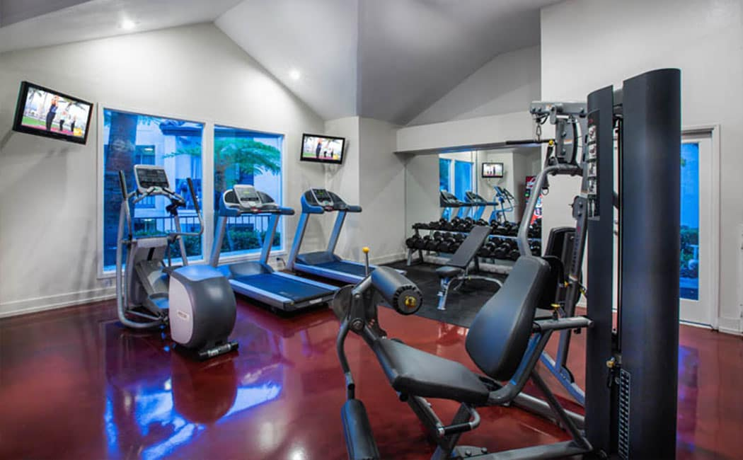 Fitness center at Avana San Clemente Apartments