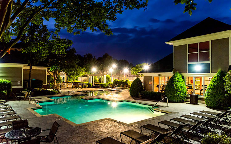Swimming pool at Edinborough Commons Apartments in Raleigh