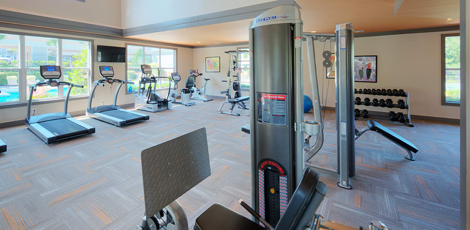 Fitness center at Edinborough Commons Apartments