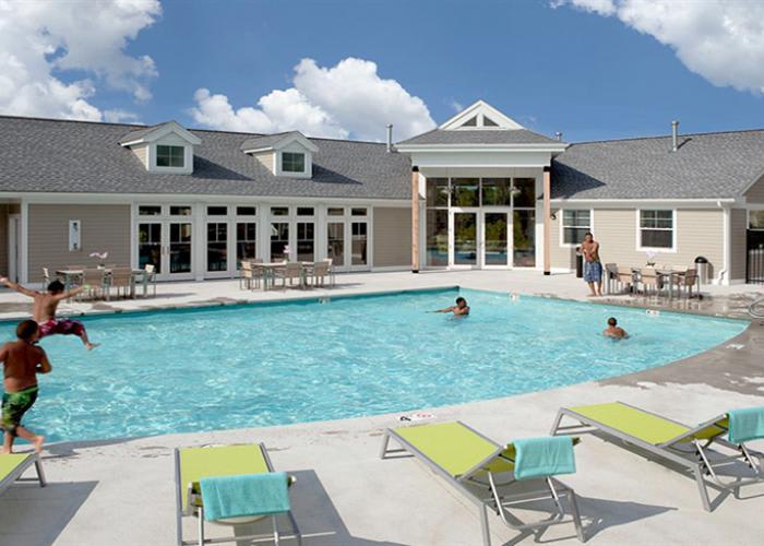 Swimming Pool at Rosemont Square Apartments in Randolph