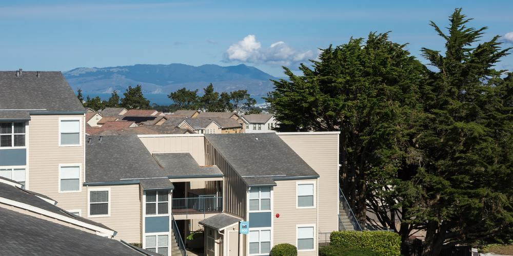 Apartments Roofs View at Skyline Heights Apartments in Daly City, CA