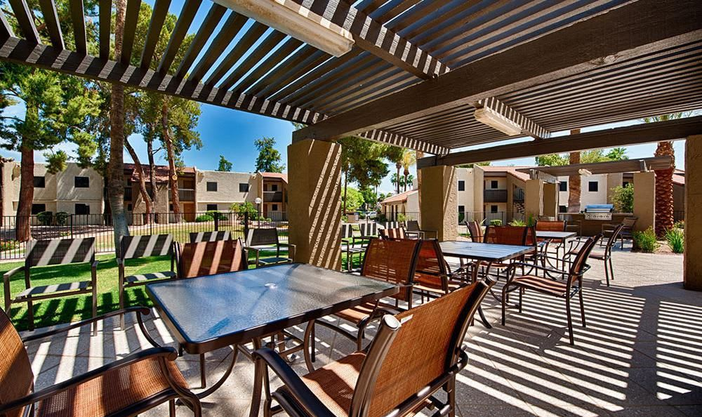 Grilling Area With Tables at Avana McCormick Ranch Apartments in Scottsdale, AZ