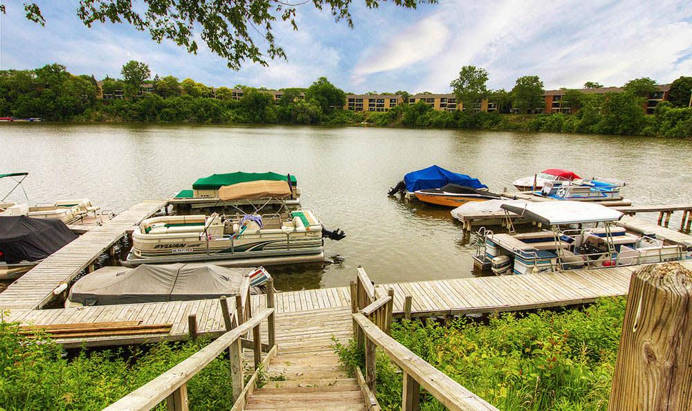 Riverside Dock At Harbour Club