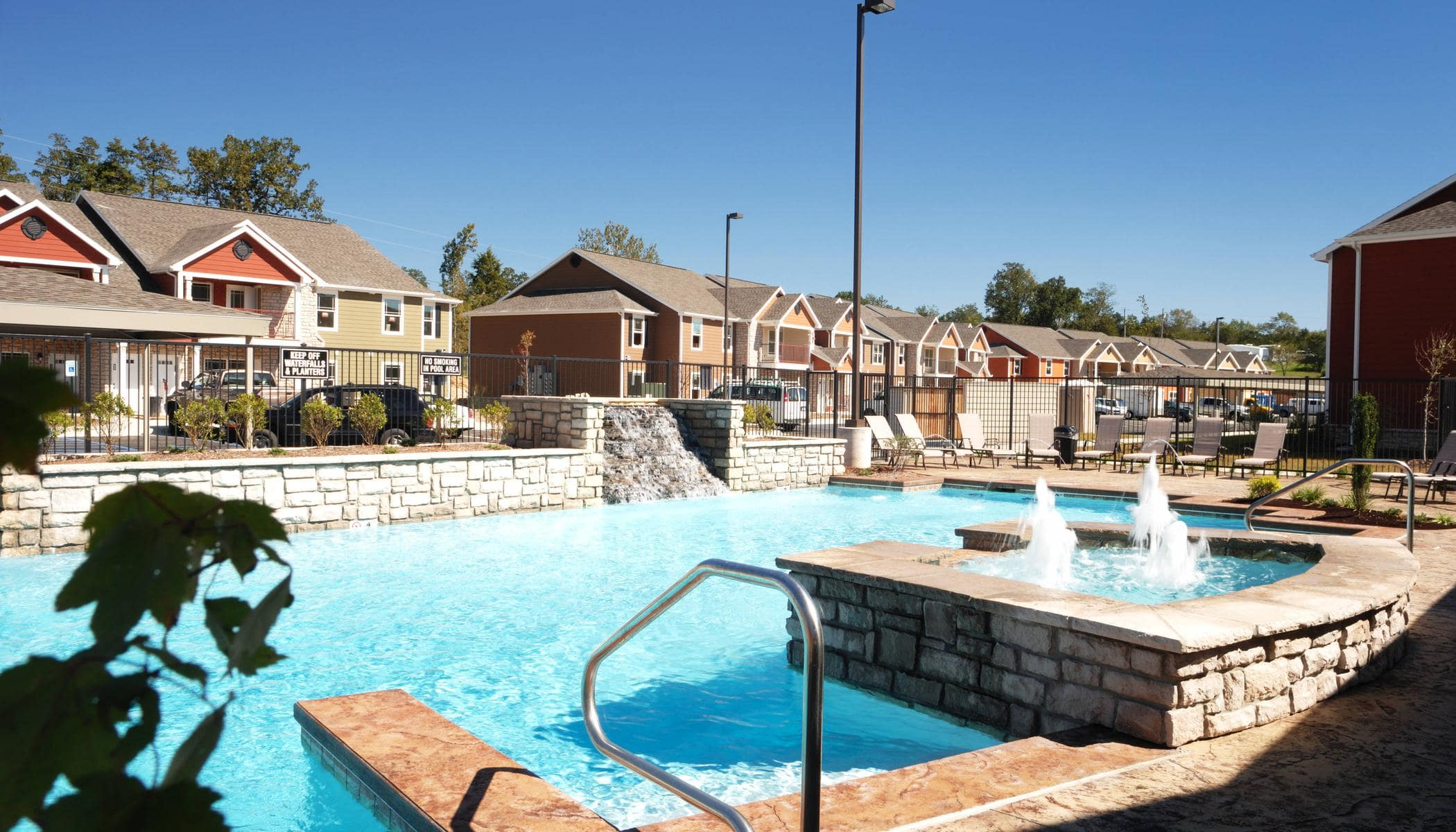Beautiful swimming pool at apartments in Branson, MO