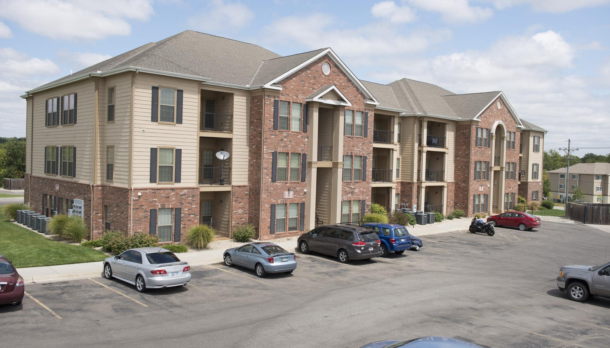 Highland Ridge Apartments offers a beautiful parking area in Manhattan, KS