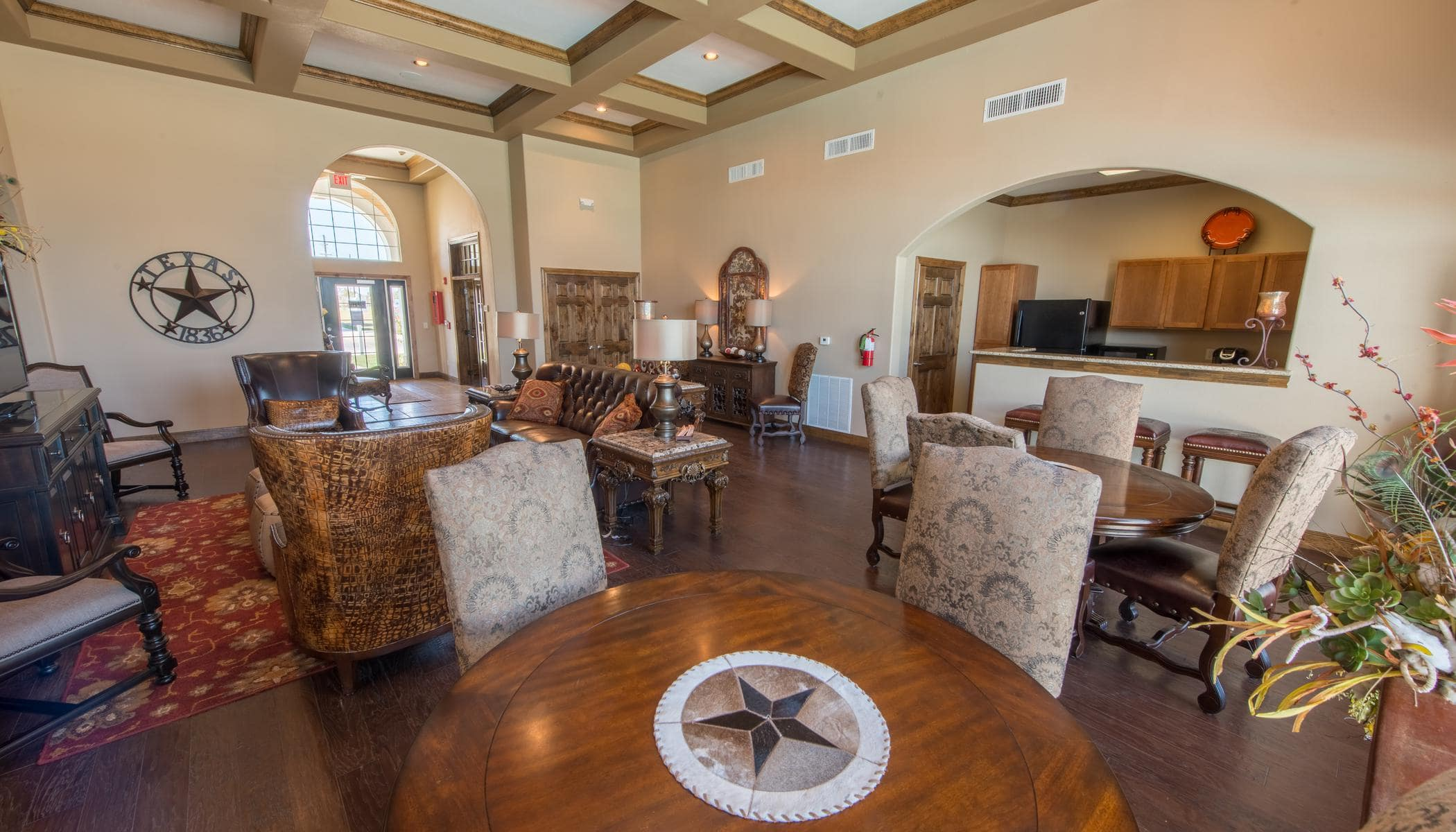 The Reserves at South Plains offers a modern living room in Lubbock, Texas