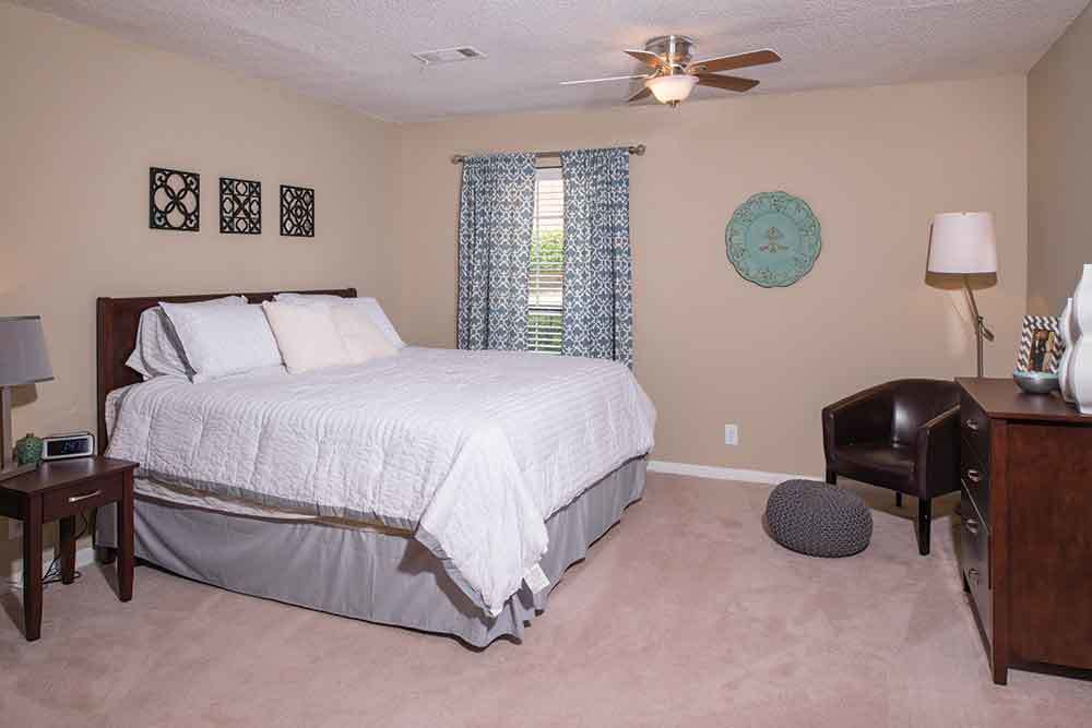 Bedroom at Eagles South Apartments in Auburn. Photos of Eagles South Apartments in Auburn  AL