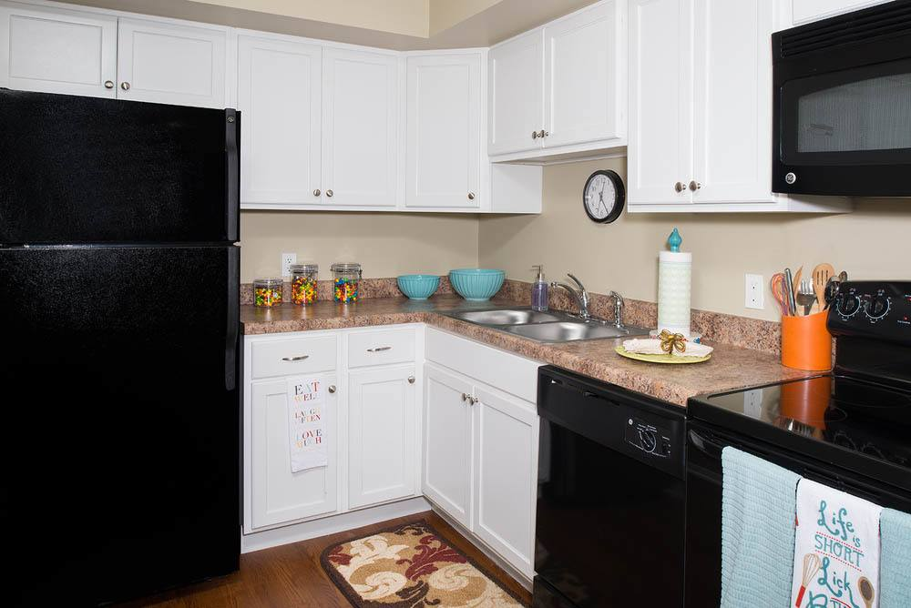 Open kitchen at apartments in Carbondale