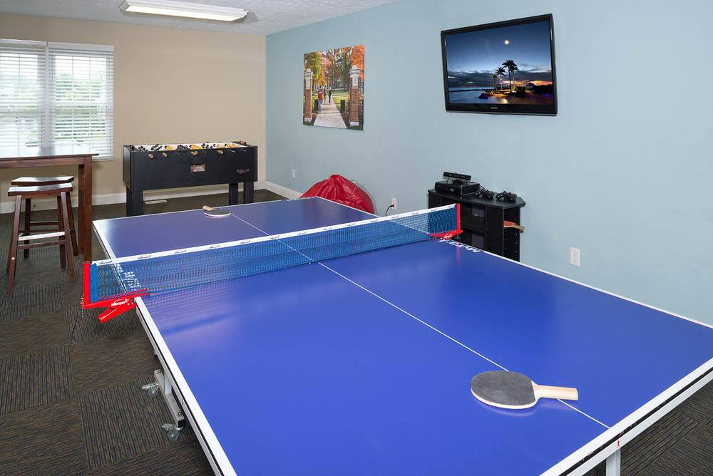 Ping pong table at apartments in Oxford