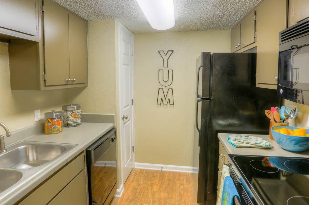 Modern kitchen at Raiders Walk Apartments in Lubbock