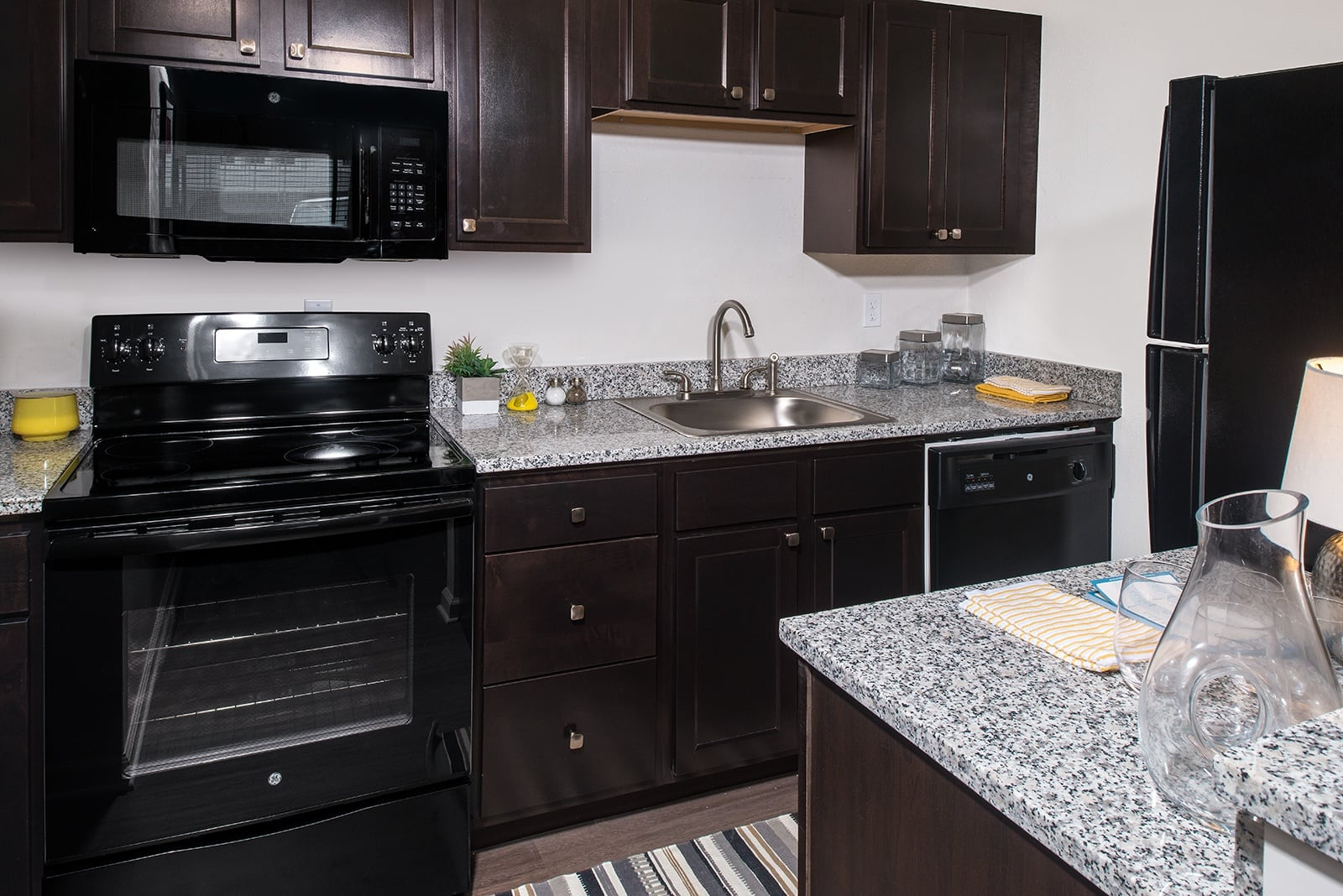 Delicieux Contact Seminole Flatts For 1 Bedroom Availability.