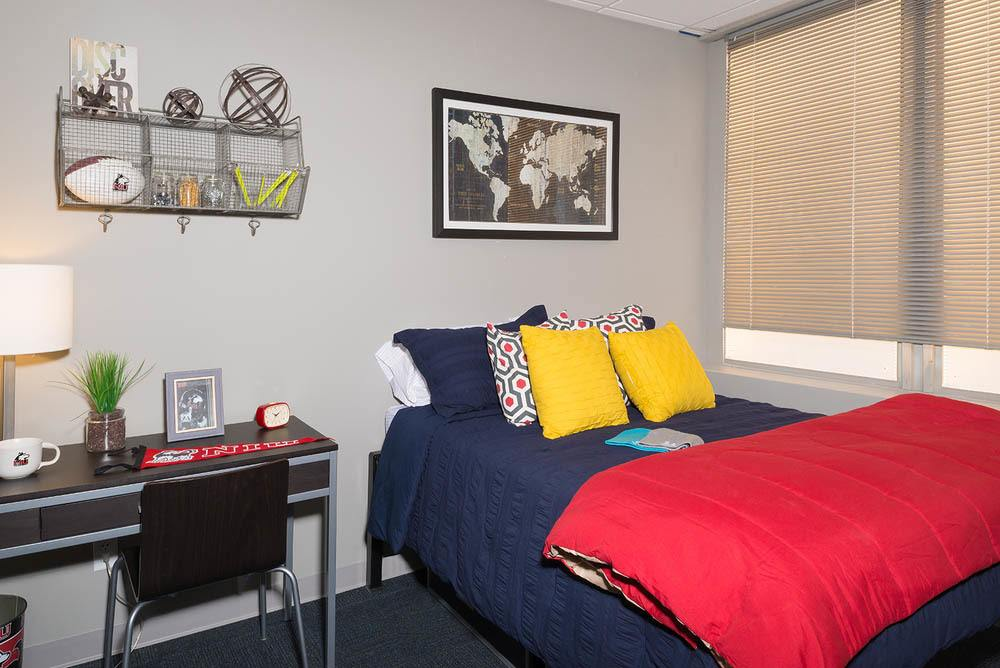 Spacious bedroom at apartments in {location_city}}