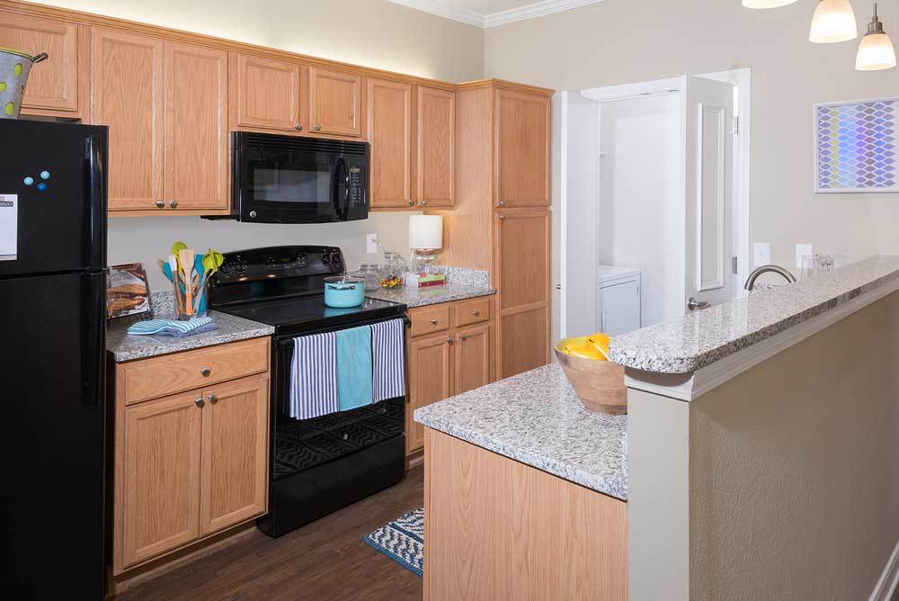 Granite Kitchen Countertops In Renovated Apartments For Rent In Hattiesburg Ms