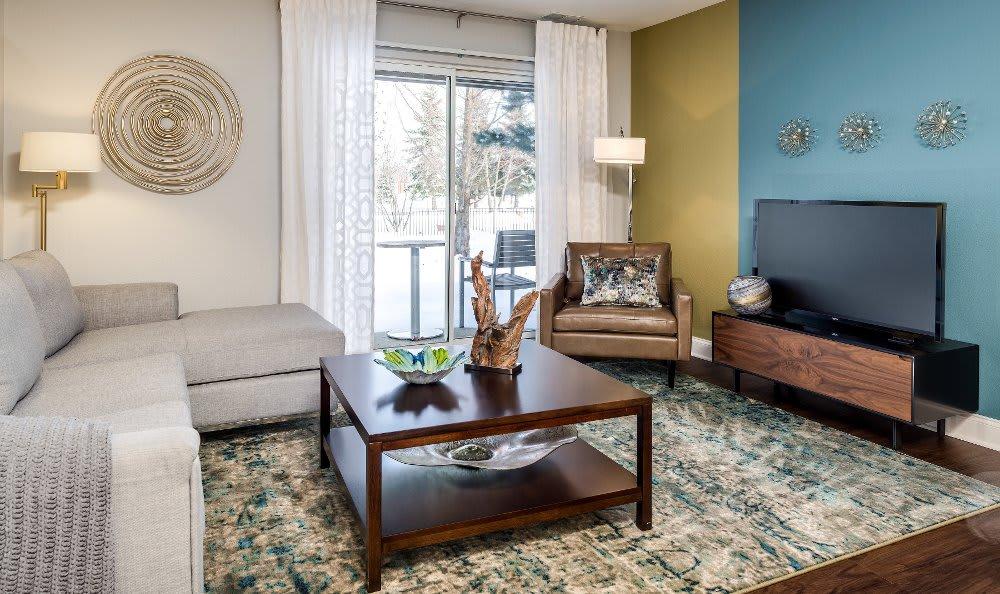 Living room at Auburn Gate in Auburn Hills