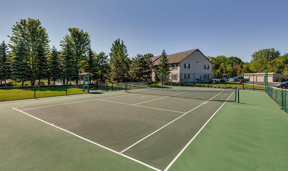 Tennis court at Auburn Gate in Auburn Hills