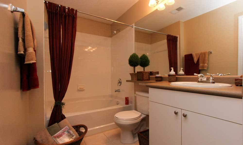 Beechwood Pines deluxe bathroom