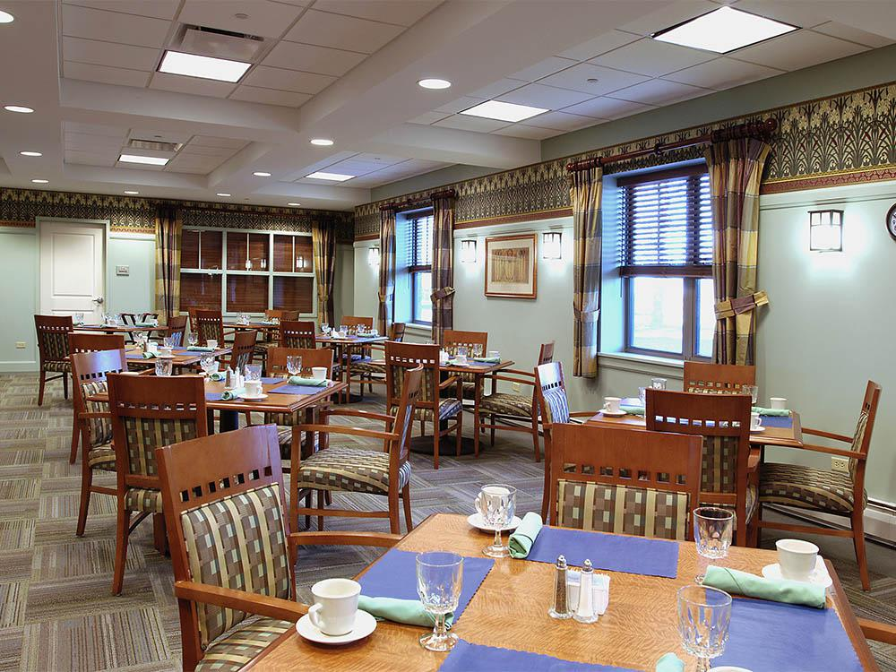 Senior Care Dining Hall In Elk Grove