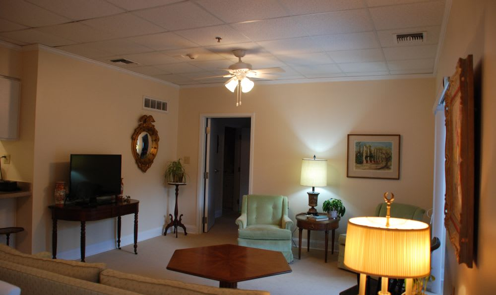 comfortable living room at The Columbia Presbyterian Community in Lexington, SC