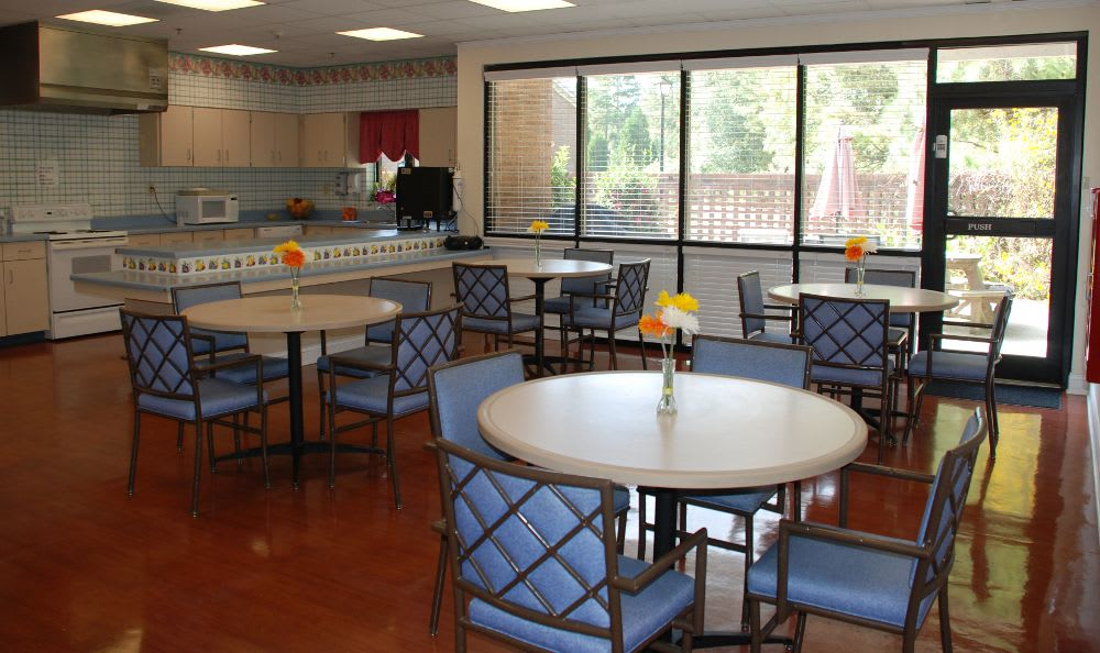 dining area at The Columbia Presbyterian Community in Lexington, SC