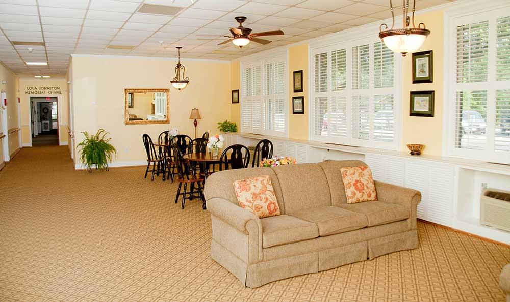 Hang out in the common area at The Village at Summerville.