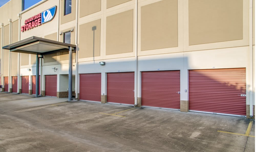 Small and large storage units with outdoor access