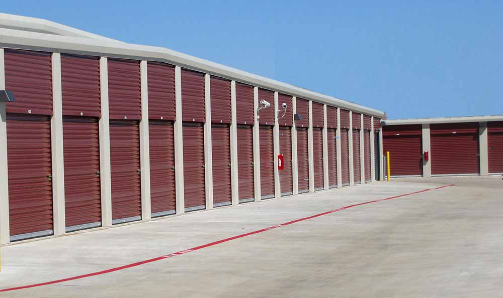 Outside Drive-Up Units at Advantage Storage - Denton in Denton, TX.