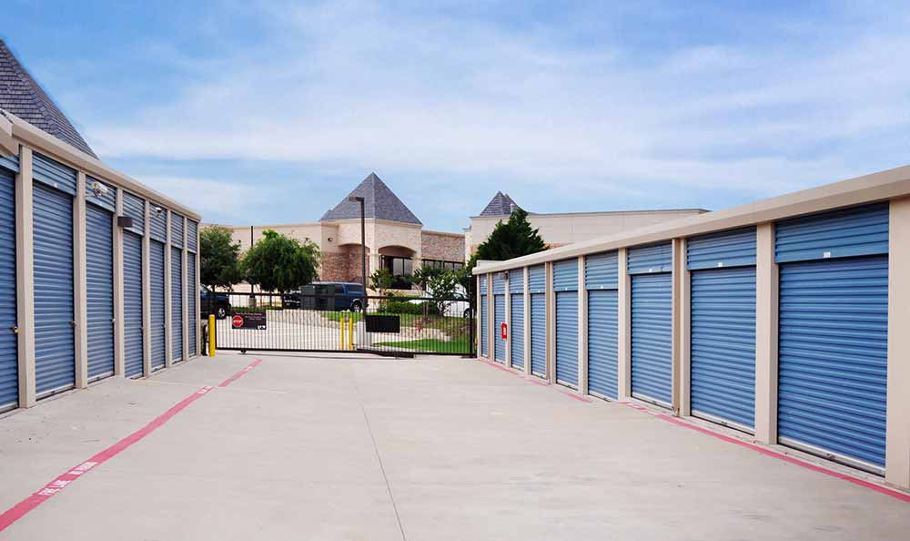 Outside Drive-Up Units at Advantage Storage - Frisco / Stonebriar in Frisco, TX.